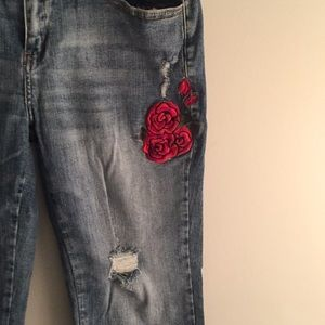 SALE! Red Rose Patch Distressed Stretch Jeans